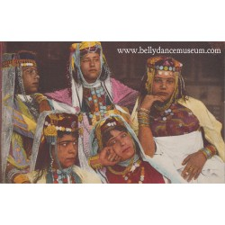 Five Ouled Naïl dancers