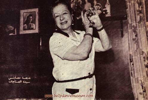 Badia Masabni 1968 playing sagat