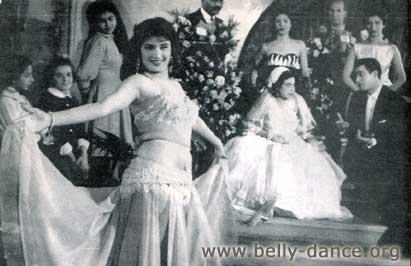 Nagua Fouad bellydanceing