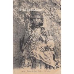 Femme des Ouled-Naïls -...